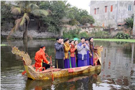 Lễ hội cổ truyền trong lòng thành phố