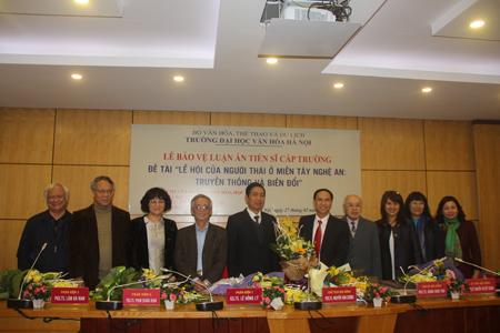 Lễ bảo vệ luận án tiến sĩ cấp Trường của NCS Hoàng Văn Hùng