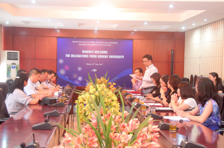 Tiếp đón đoàn Học viện Hồng Hà sang thăm và làm việc tại Đại học Văn hóa Hà Nội