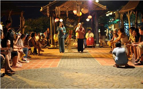 Trò diễn bài chòi Hội An - Một sinh hoạt văn hóa, một sản phẩm du lịch độc đáo