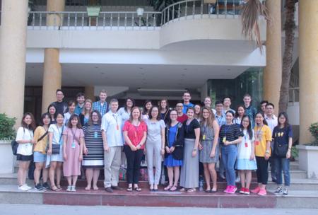 Giao lưu văn hóa giữa sinh viên Việt Nam - Hoa Kỳ tại trường Đại học Văn hóa Hà Nội