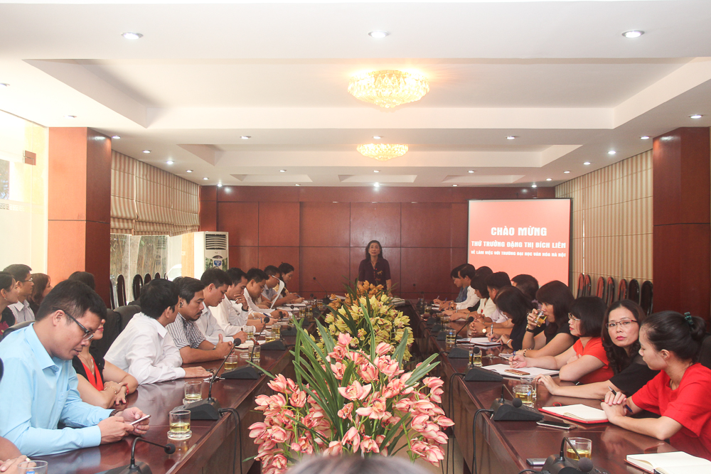 Thứ trưởng Đặng Thị Bích Liên về làm việc với trường Đại học Văn hóa Hà Nội