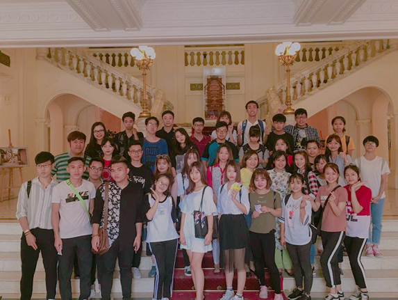 Trải nghiệm thực tế tour tham quan Nhà hát Lớn Hà Nội với lớp BT37 - Khoa Di sản văn hóa