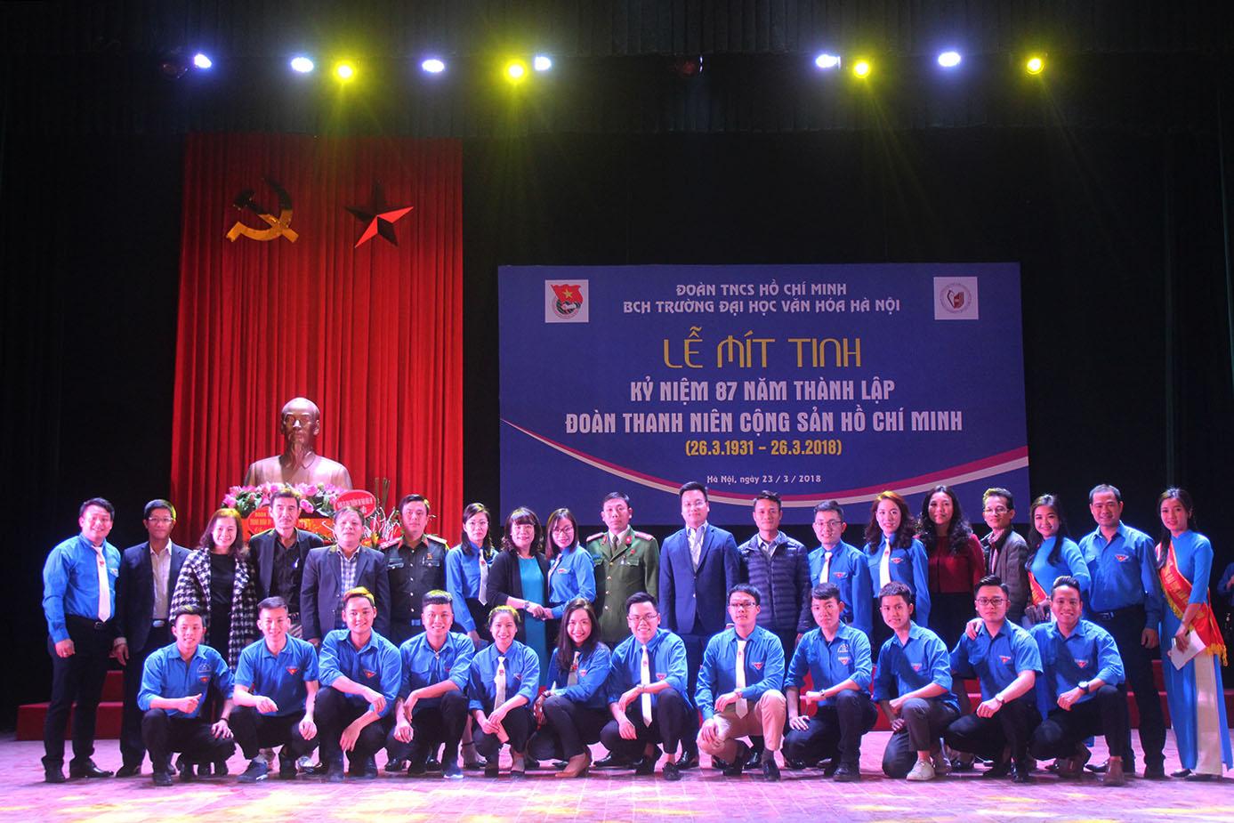 Lễ mít tinh kỷ niệm 87 năm Ngày thành lập Đoàn TNCS HCM tại trường Đại học Văn hóa Hà Nội