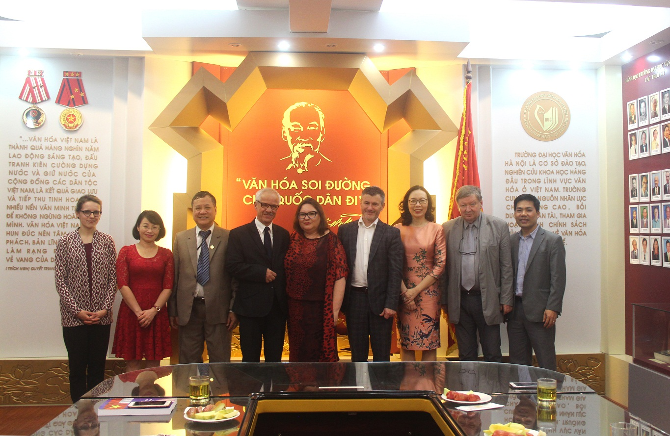 Hanoi University of Culture welcomed the visit of Prof. Cao Long Van - University of Zielona Gora, Poland
