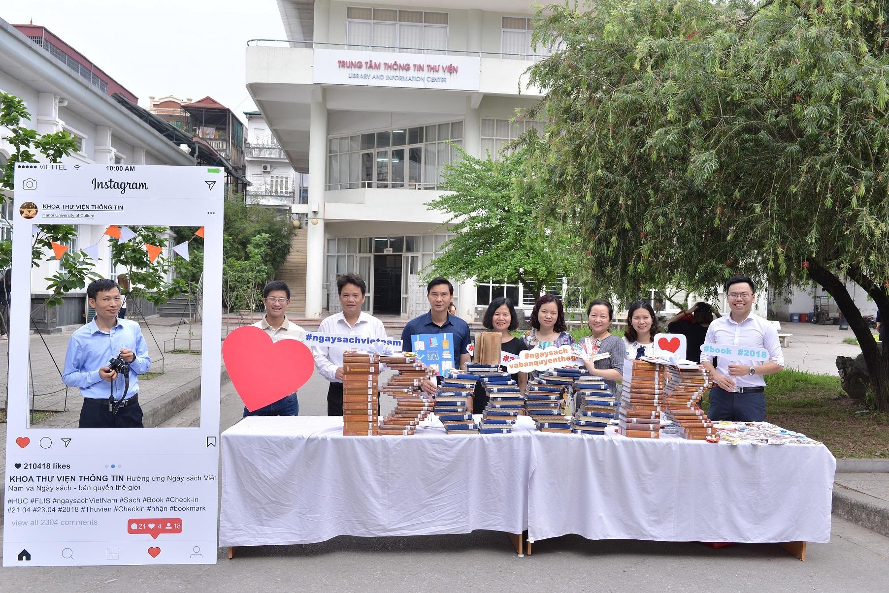 Cùng Khoa Thư viện - Thông tin hưởng ứng Ngày sách Việt Nam và Ngày sách - Bản quyền thế giới