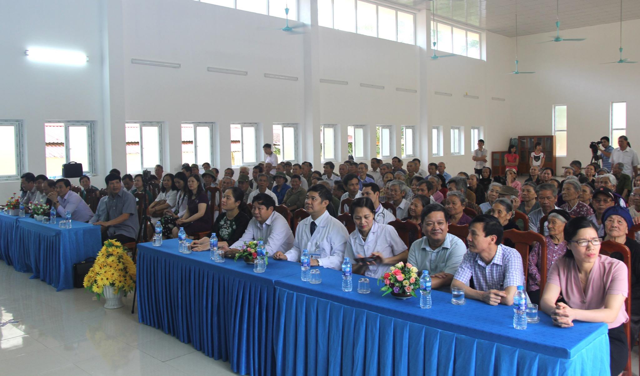 Tuổi trẻ Trường Đại học Văn hoá Hà Nội cùng CLB Bác sĩ họ Đinh và những người bạn thực hiện chuyến đi thiện nguyện về xã Tràng Yên, huyện Hoa Lư, tỉnh Ninh Bình