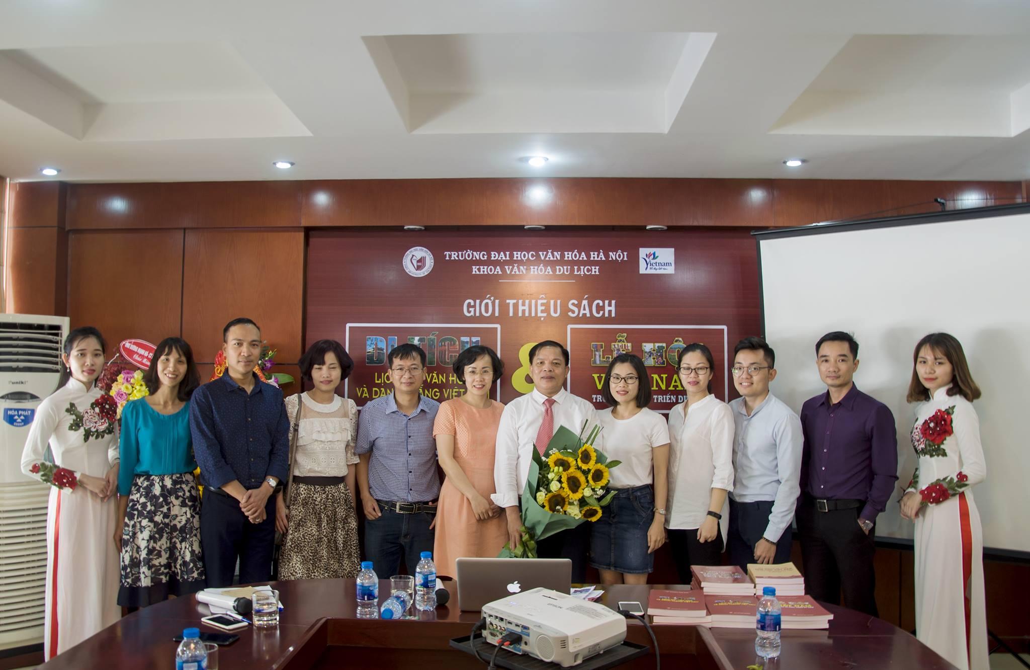 Buổi giới thiệu sách của PGS. TS. Dương Văn Sáu