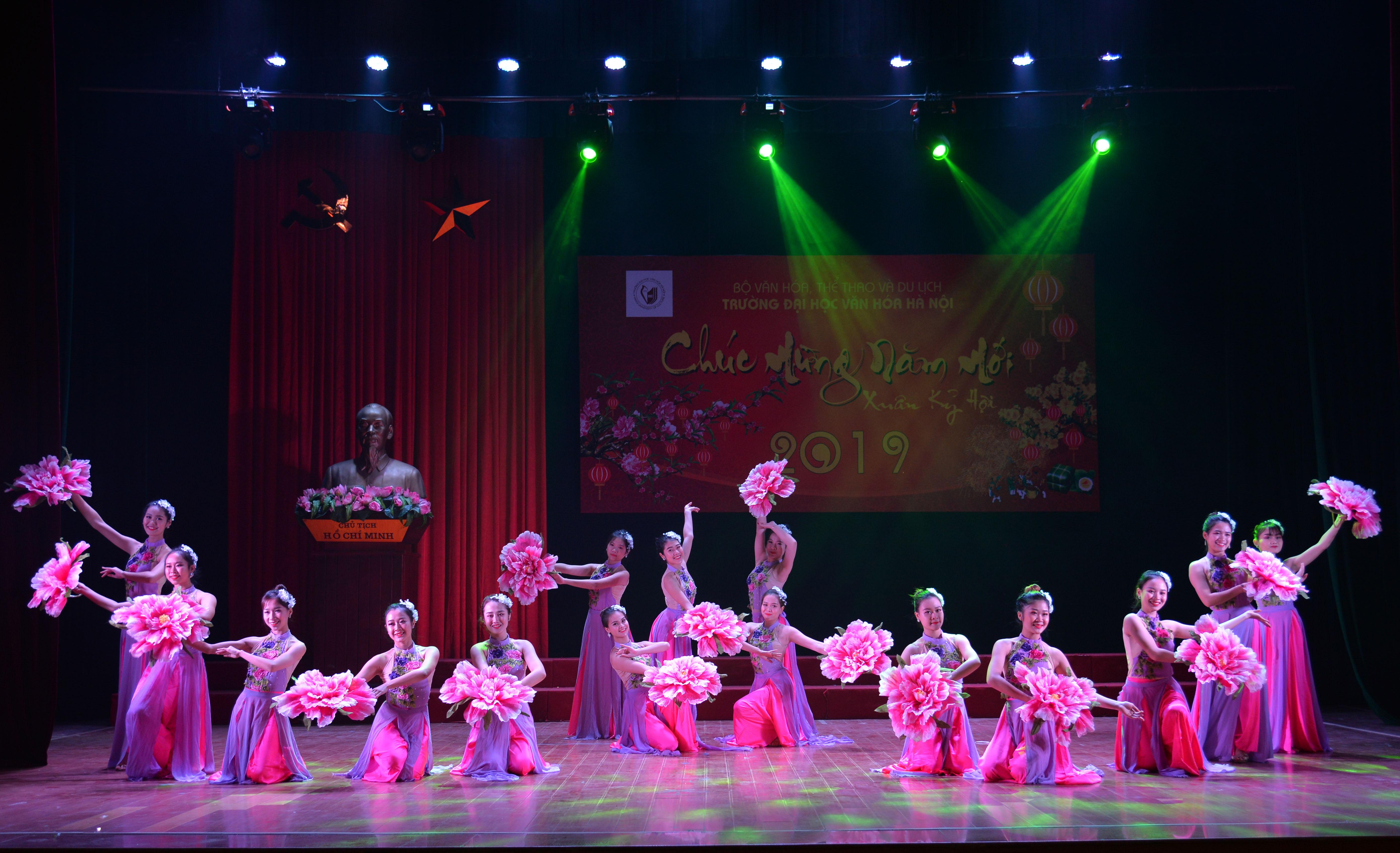 Năm 2018, Trường Đại học Văn hóa Hà Nội đạt được nhiều thành tựu quan trọng