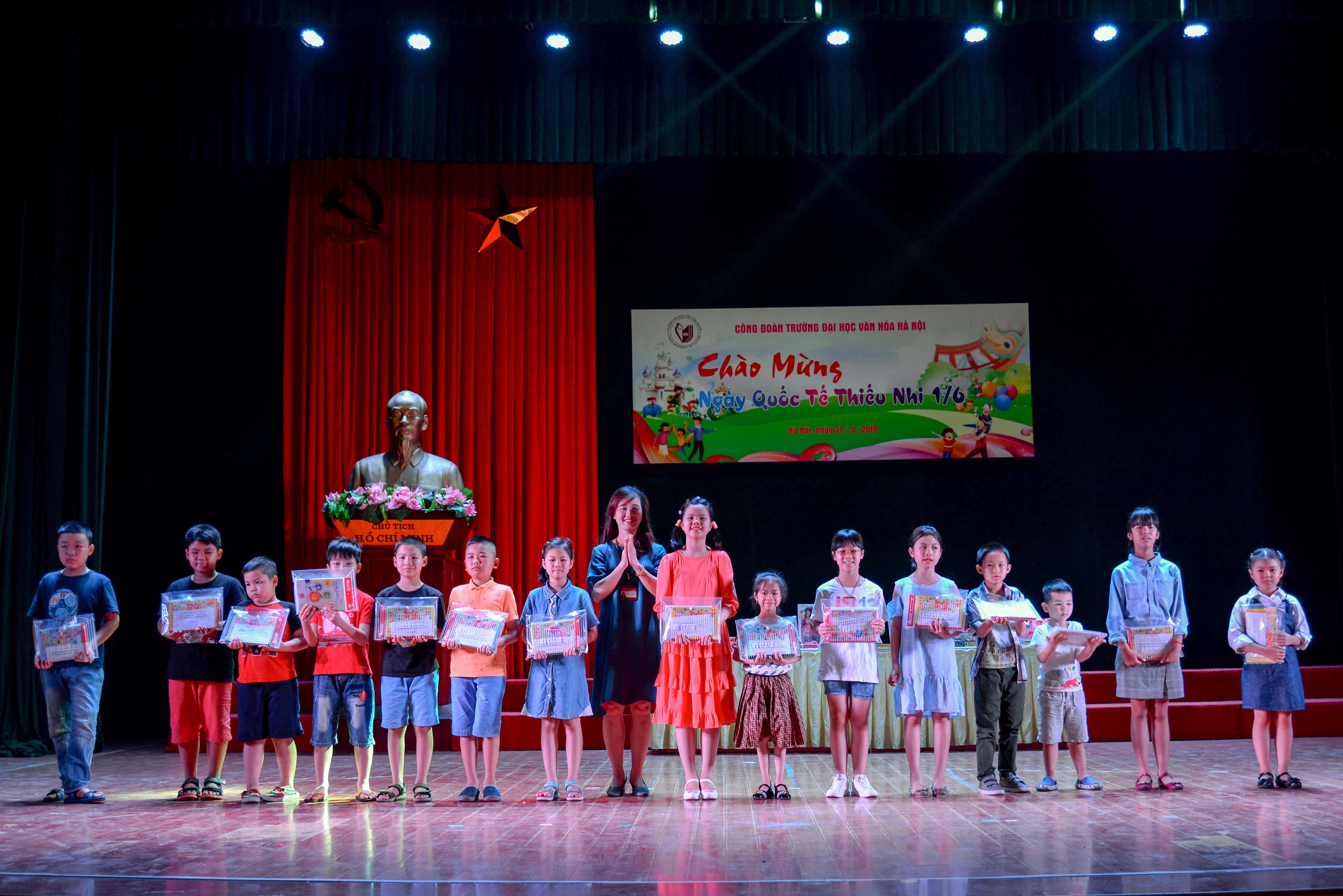 Vui đón Tết thiếu nhi 1-6 tại Trường Đại học Văn hóa Hà Nội