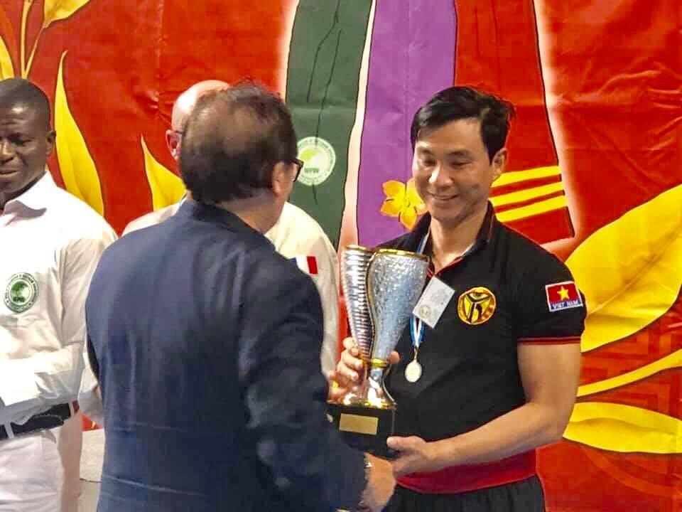 Tiến sĩ, Võ sư cao cấp, Phó Hiệu trưởng Trường Đại học Văn hóa Hà Nội Đinh Công Tuấn giành Huy chương tại giải đấu Cup thế giới võ cổ truyền Việt Nam