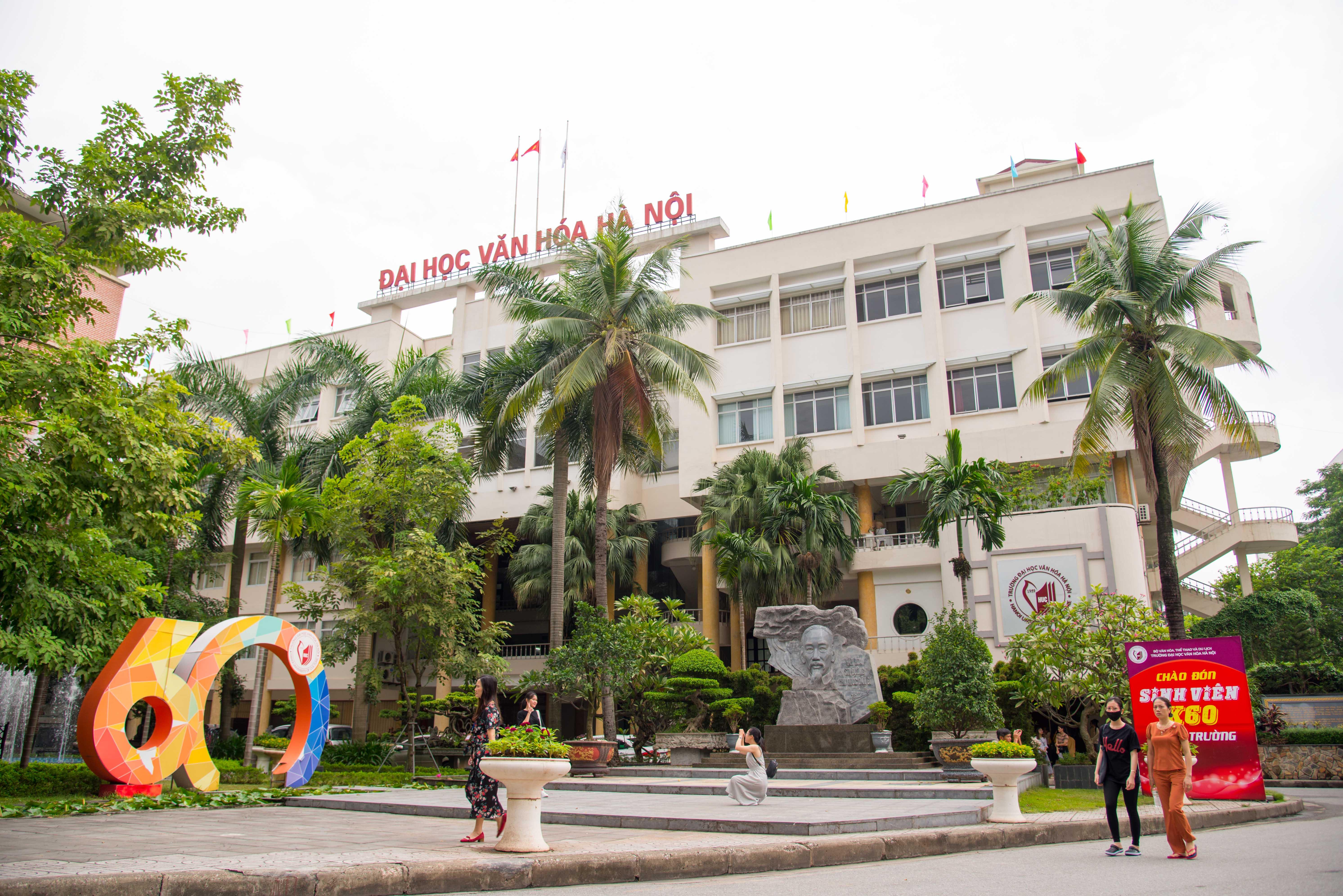 Đại học Văn hóa Hà Nội: Chào đón Tân sinh viên K60 nhập trường