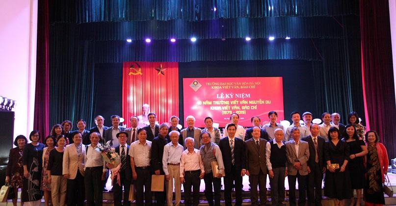 40 năm Trường Viết văn Nguyễn Du – Khoa Viết văn, Báo chí: vững niềm tin, thêm khát vọng.