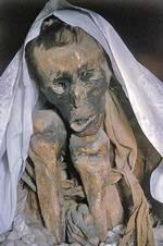 Xác chết bí ẩn 500 tuổi không phân hủy